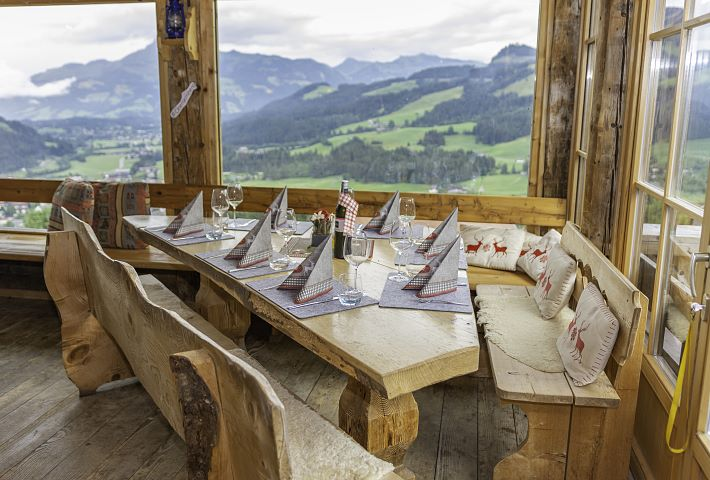 Celebrations and hut evenings on the Obergaisberg